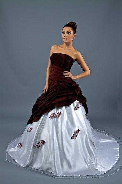 Brautkleid Brautmode 2012 - Modell - 1720 mit 42% Rabatt kaufen ...